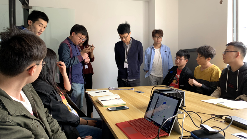 黑火石科技制作团队项目讨论现场